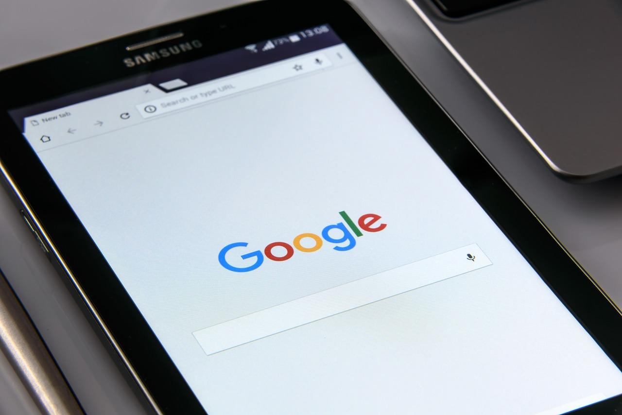 effectuez une recherche sur Google ou saisissez une URL url facile et courte
